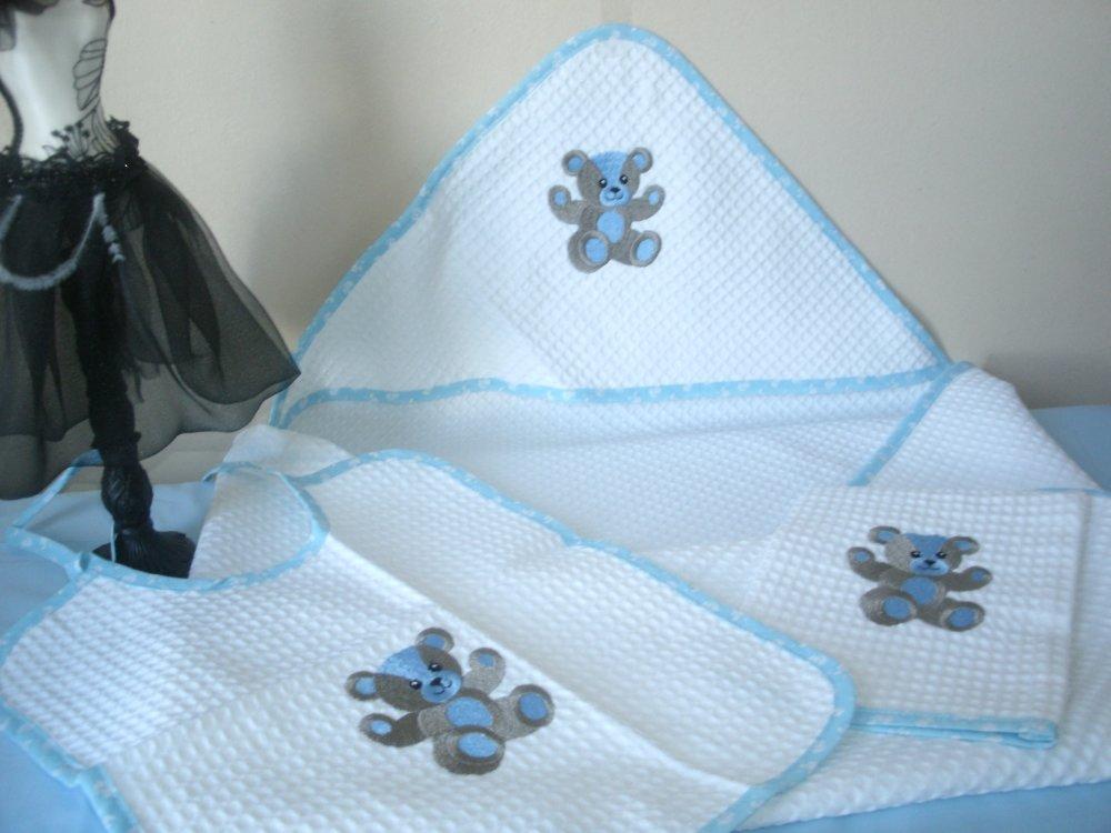 coffret naissance avec cape de bain ,bavoir et gant de toilette (livraison offerte)