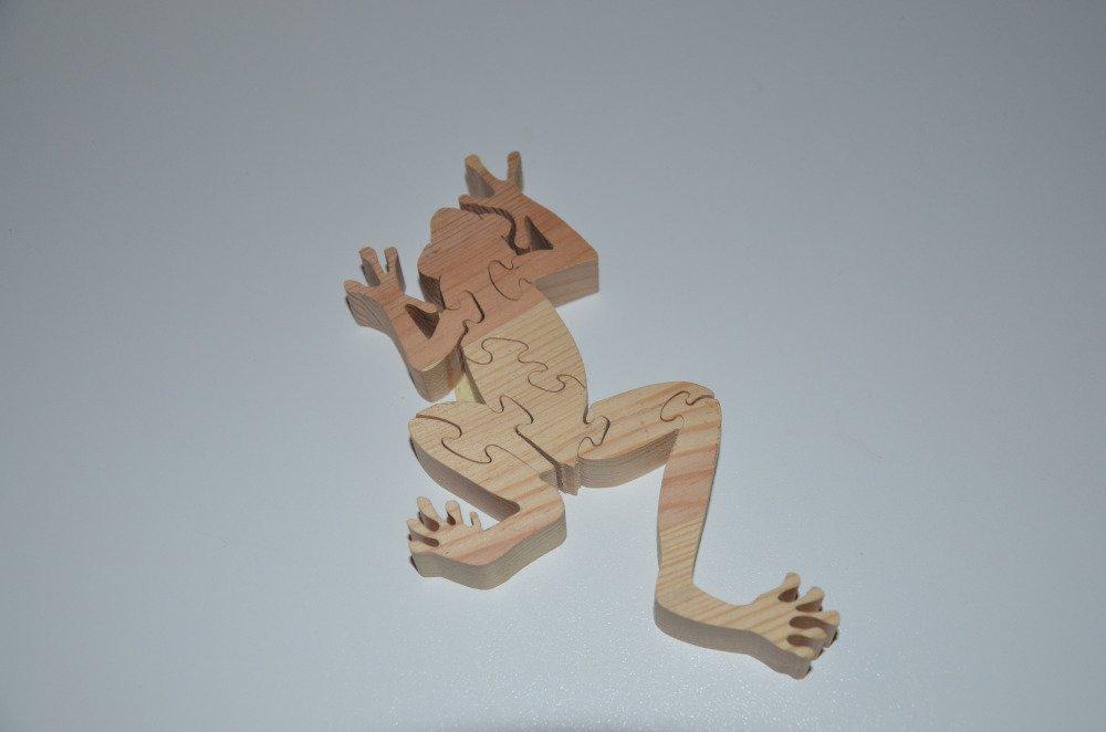 puzzle grenouille en bois brut à décorer - 8 pièces