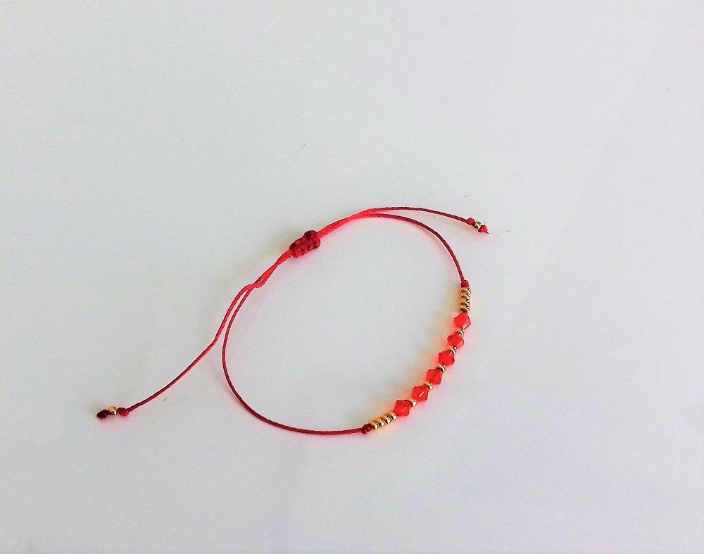 Bracelet petit prix perles toupies rouges