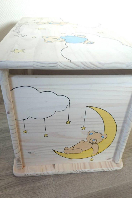 """Coffre à jouets en bois massif pin- modèle """"nounours cœur bleu""""- Les Nimoz"""