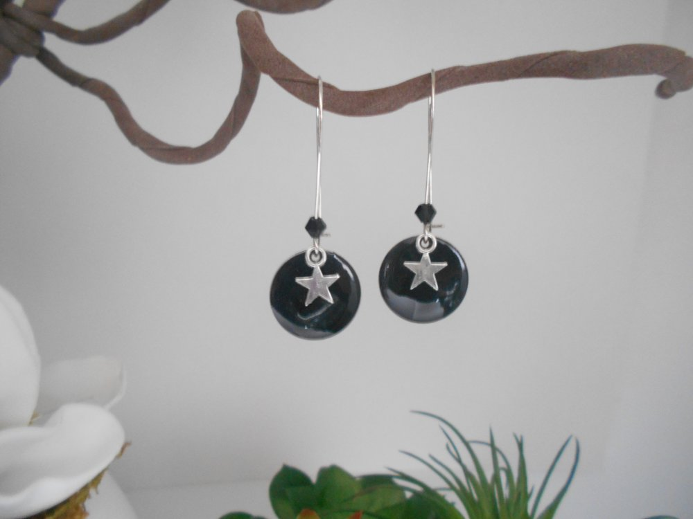 boucles d'oreille sequin émaillé noir étoile argentée