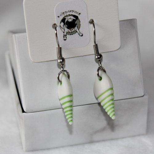 Boucles d'oreilles coquillage long vert