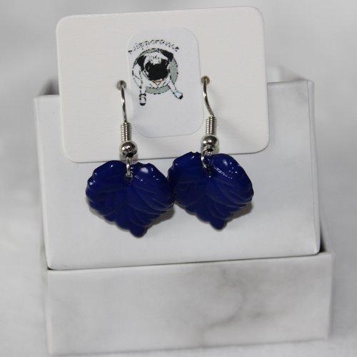 Boucles d'oreilles feuille bleu foncé mat
