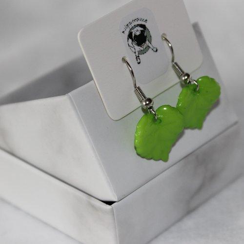 Boucles d'oreilles feuille vert mat