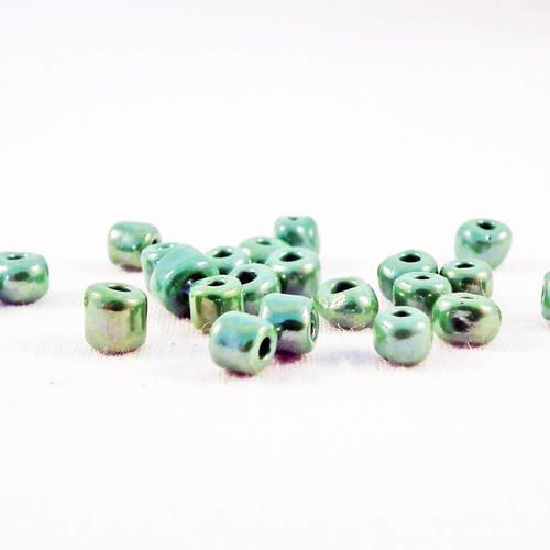 Pro13 - lot de 20 grosses perles de rocaille de 4mm en verre à reflets de couleur vert