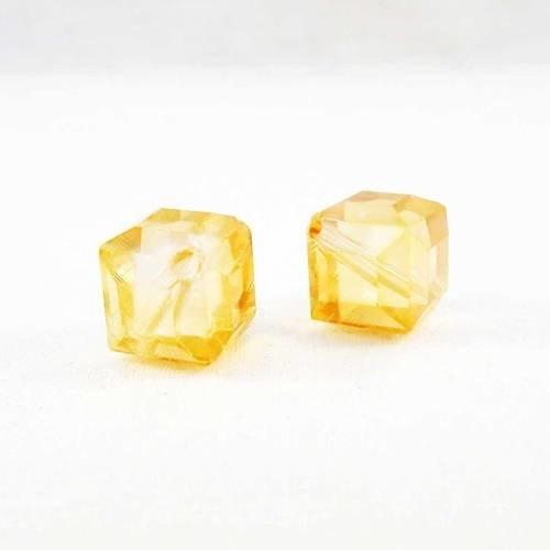 Pac87 - 2 perles précieuses carré cube cubique jaune transparent à reflets 10mm x 10mm en cristal à facettes
