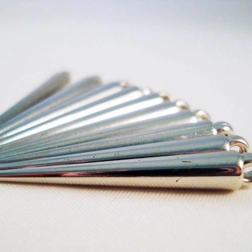 Cbc04 - lot de 10 pendentifs breloques argenté en forme de cône ou pic ou clou spike