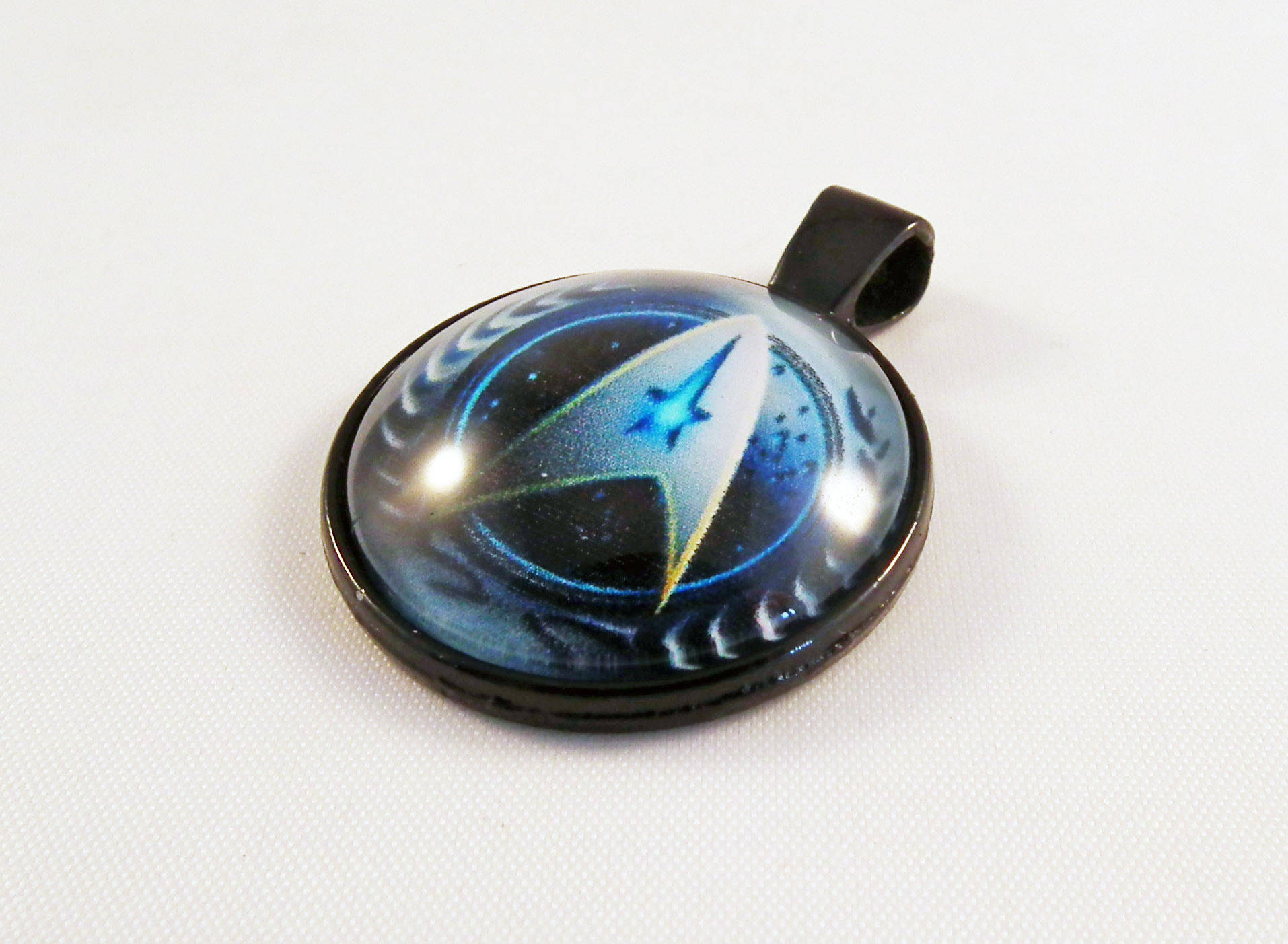 ALD2N - Pendentif Cabochon de 25mm en Verre Star Trek Starfleet Science Fiction Futur Vaisseau Spatial Espace Galaxie