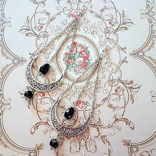 Boucle d'oreille romantique lune demi lune perle noire estampe argent antique vintage style rétro ancien crochet d'oreille chaine argentée