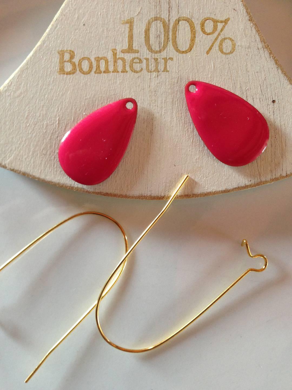 Kit de boucles d'oreilles en métal doré et émail Les gouttes rose foncé