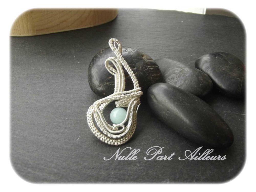 Pendentif wire argenté et aquamarine