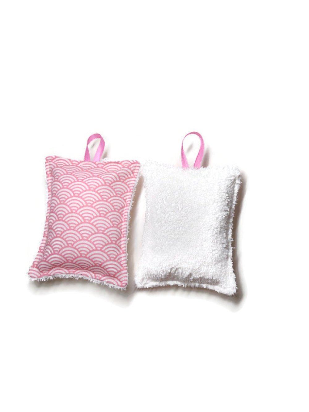 Éponges lavables X2. Version rose motifs vagueset éponge blanc