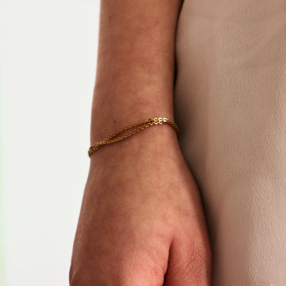 Bracelet fin chaîne dorée