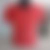T shirt rouge sérigraphié aka