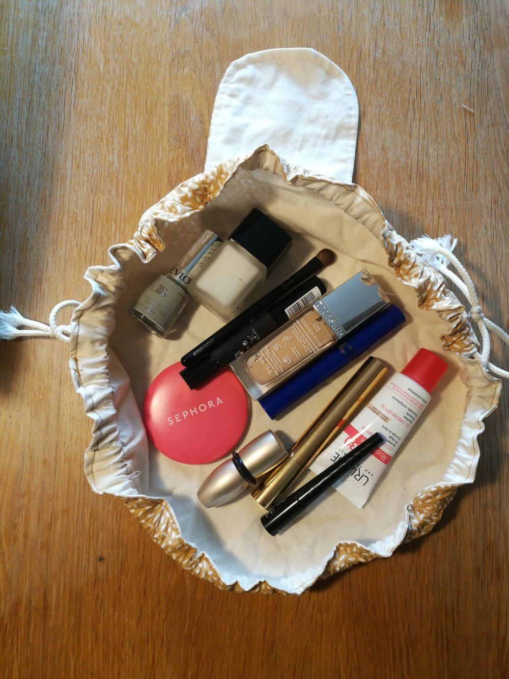 Trousse à maquillage pratique