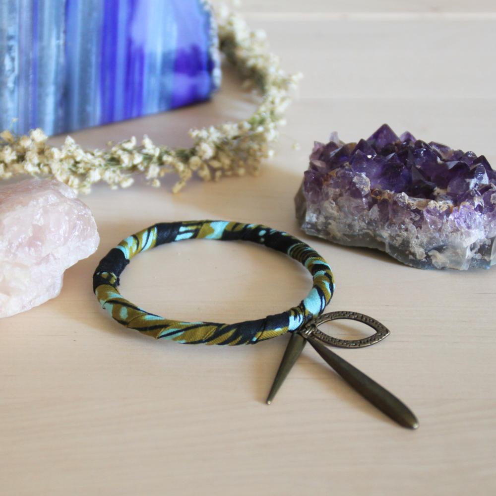 Bracelet wax, pendentifs
