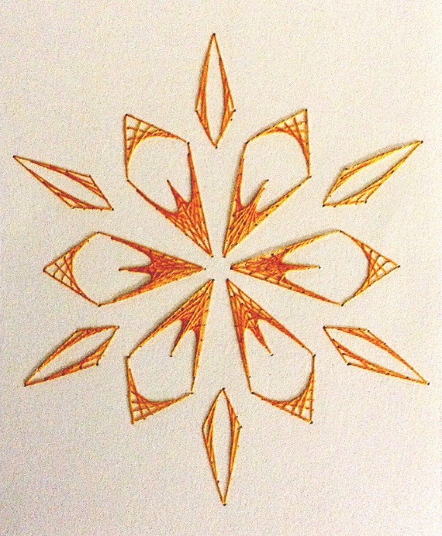 Carte fait main fils tendus sur carton fleur brodée orange
