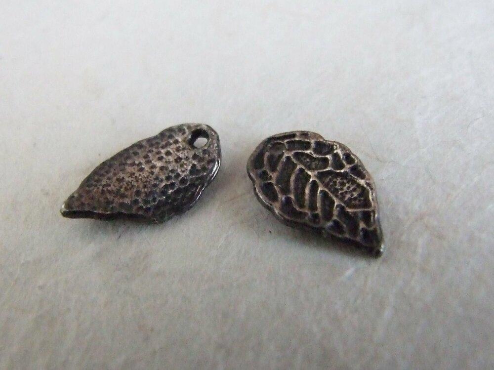 Breloque feuille en métal argent vieilli  - lot de 2