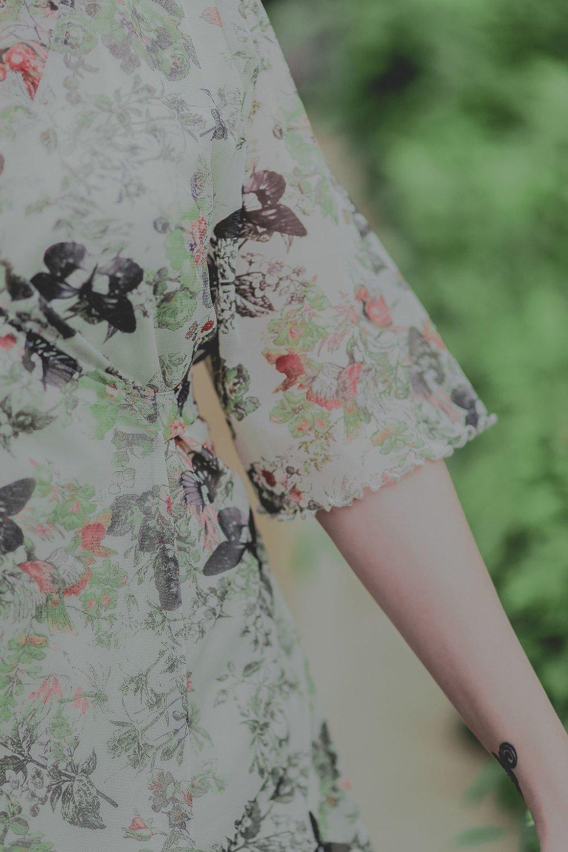 Robe Vénus papillons