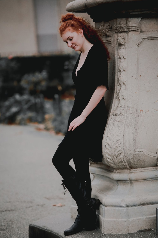 Robe Vénus Noir -sur commande-