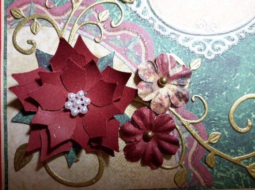 Carte de Noël traditionnelle au poinsettia