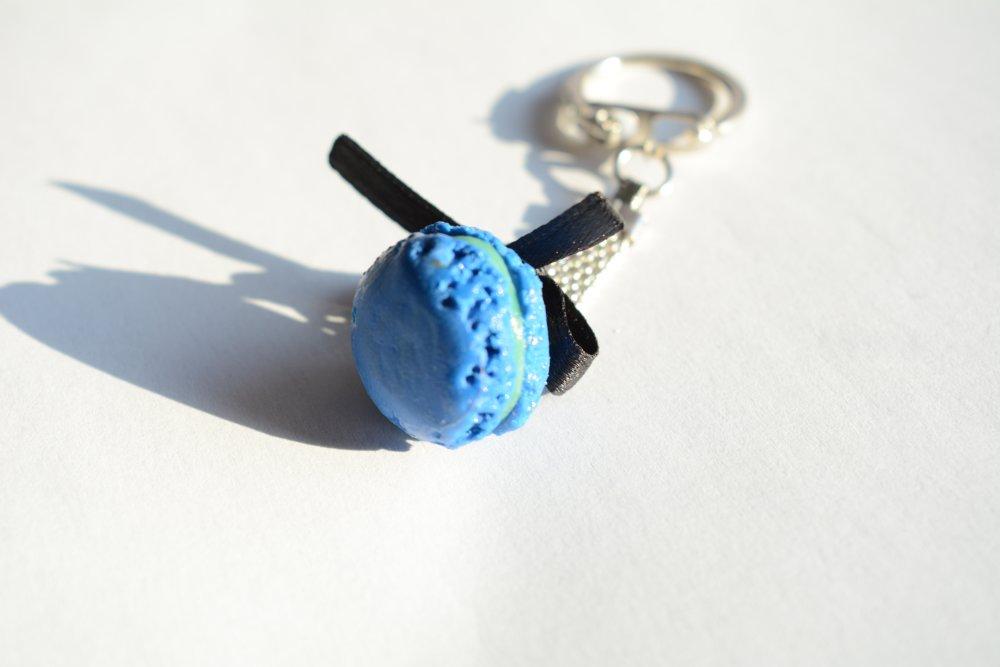 Porte clé macaron bleu