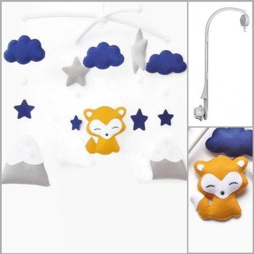 Mobile musical lit bébé. coffret cadeau boite musicale rotative et support pour le lit. mobile enfant renard montagnes