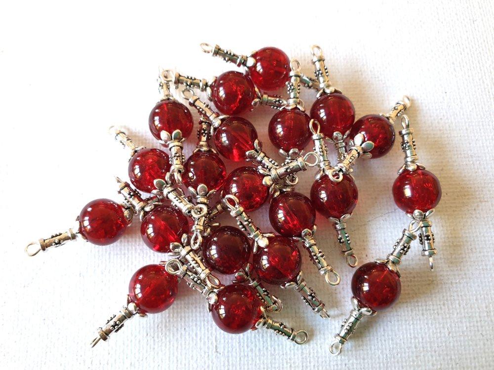 2 Connecteurs perles rouge groseille transparent, perles coupelles fleurs, tubes métal argenté avec motifs
