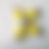 2 connecteurs perles ronds plats, palets, bois jaune citron, perles rondes motifs étoiles fleurs métal argenté