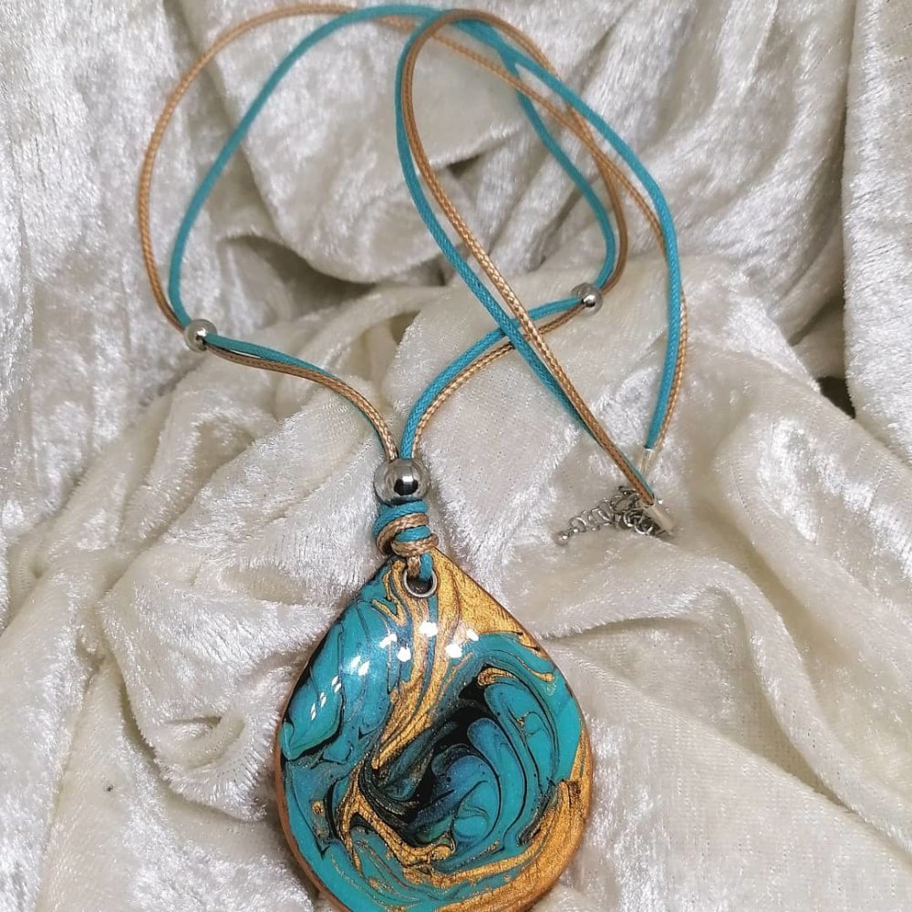 Collier turquoise cuivré, grand pendentif goutte en bois resiné fait