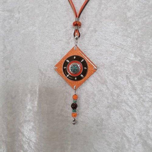 Collier long orange multicolores argenté, pendentif carré en bois résiné fait main