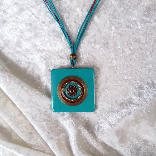 Collier turquoise bronze multicolore, pendentif carré en métal et bois resiné fait main