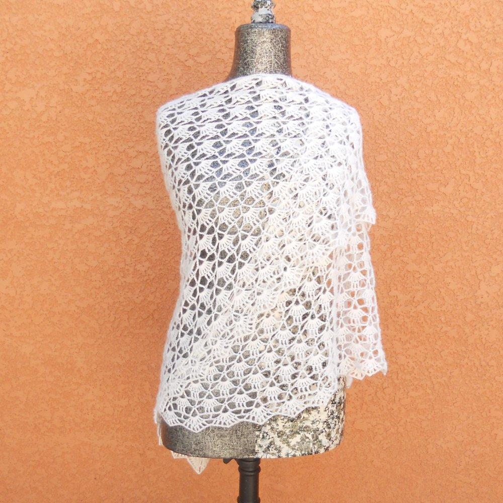 Superbe châle diamant style vintage crocheté à la main fil 100% alpaga