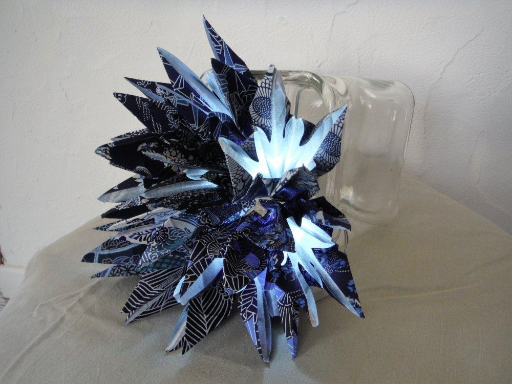Guirlande lumineuse origami iris bleus