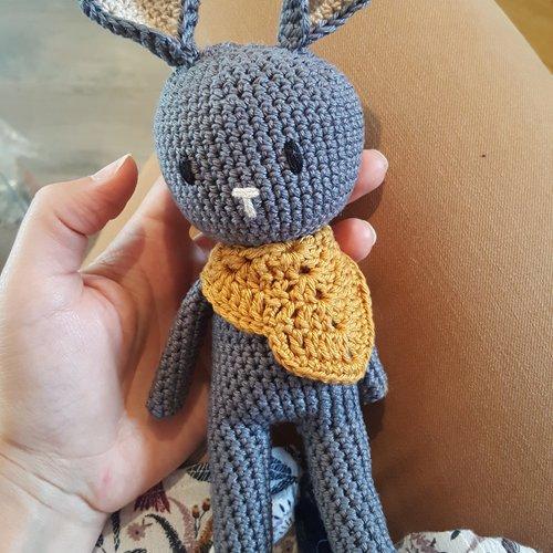 Amigurumi mini lapin KIARA - tutoriel de crochet | 500x500