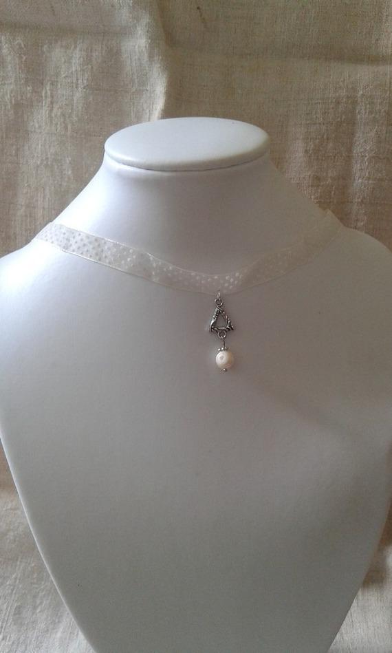 """collier """"ruban à pois ivoire et triangle"""""""