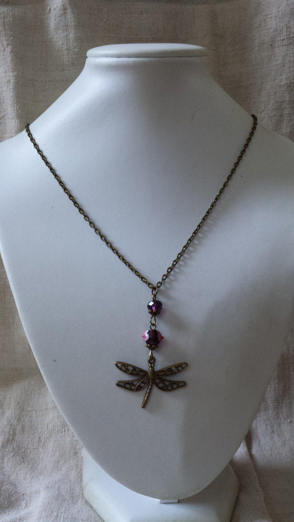 """collier """"libellule et perles violettes"""""""