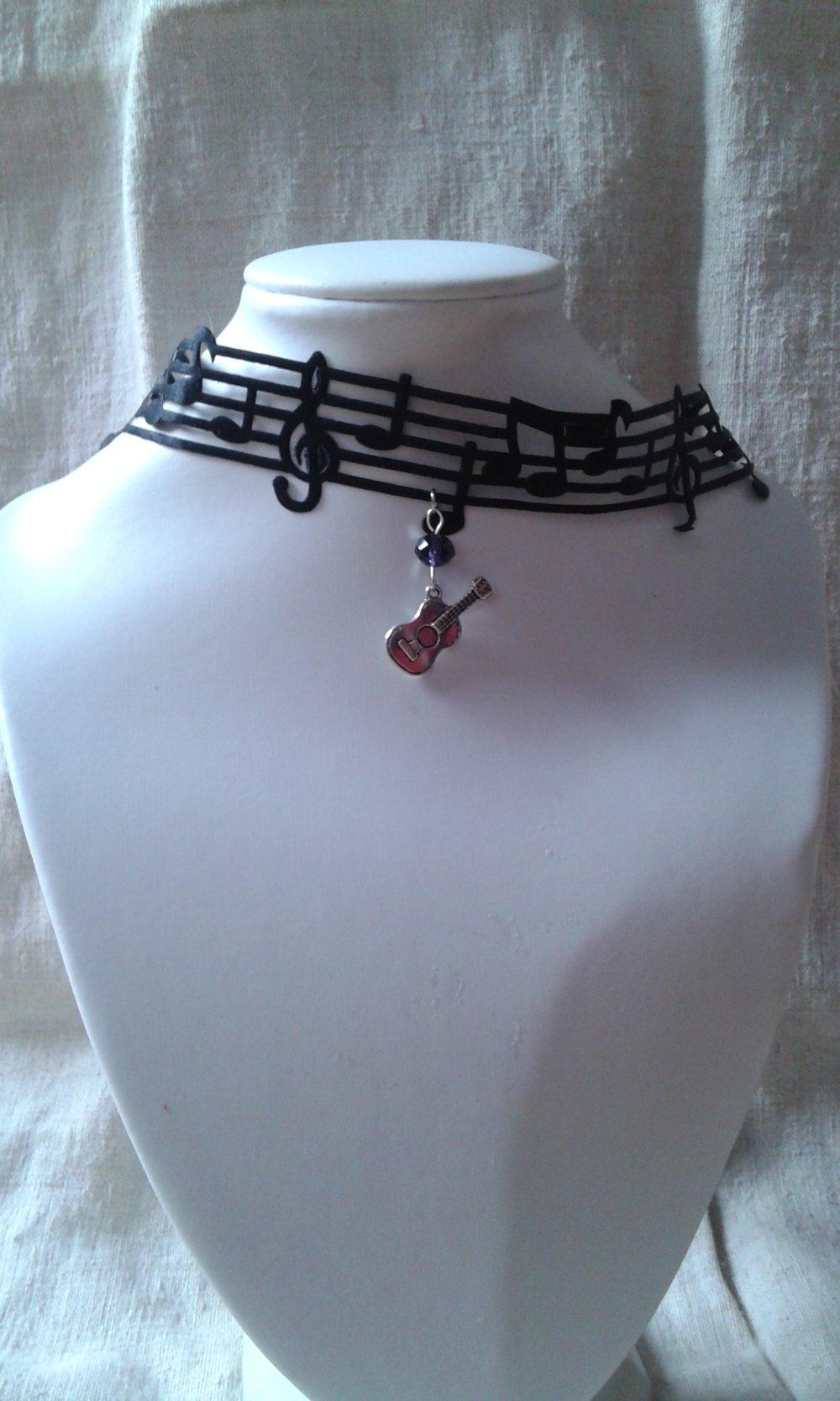 """collier """"ruban note de musique et guitare"""""""