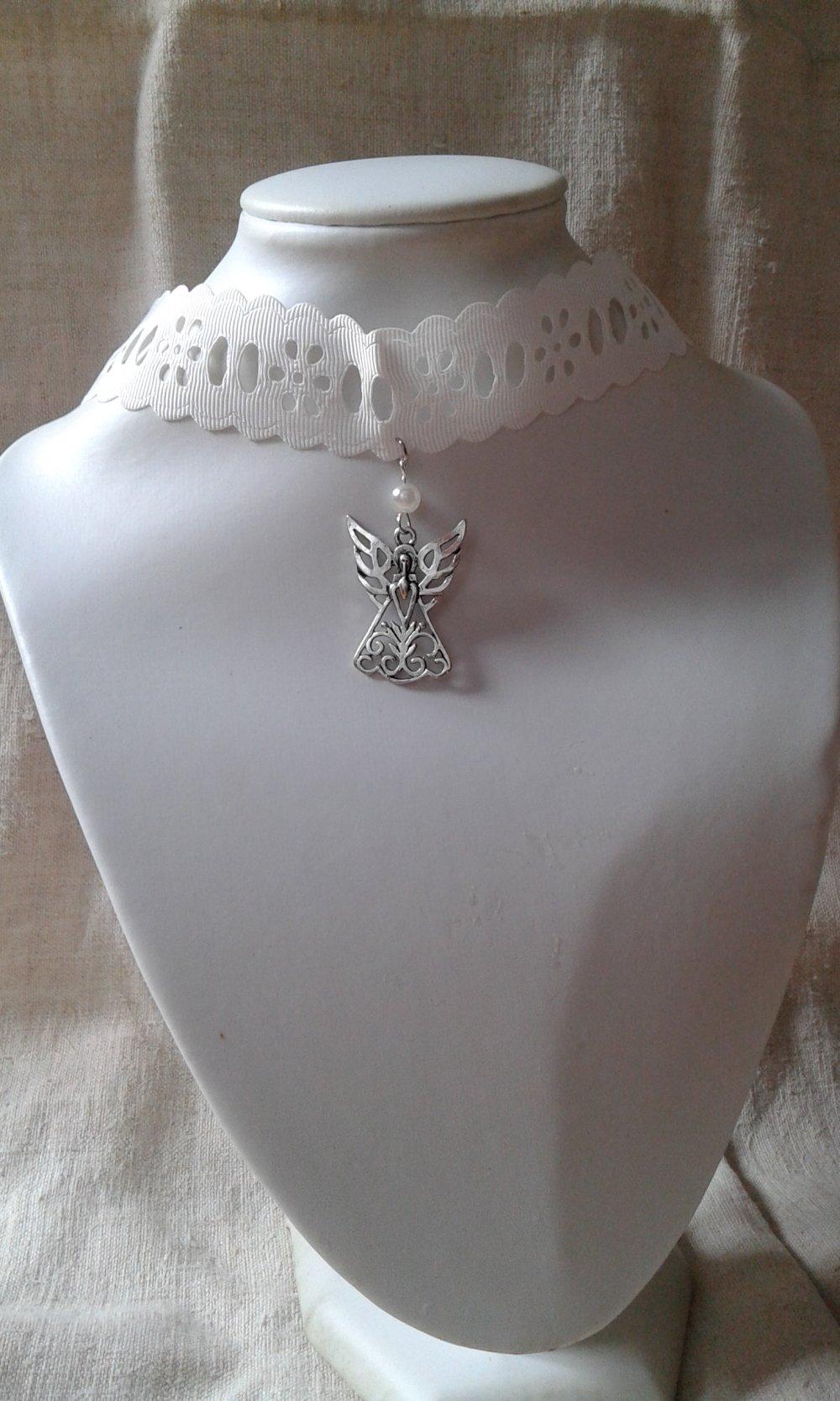 """collier """"ruban ivoire et ange"""""""