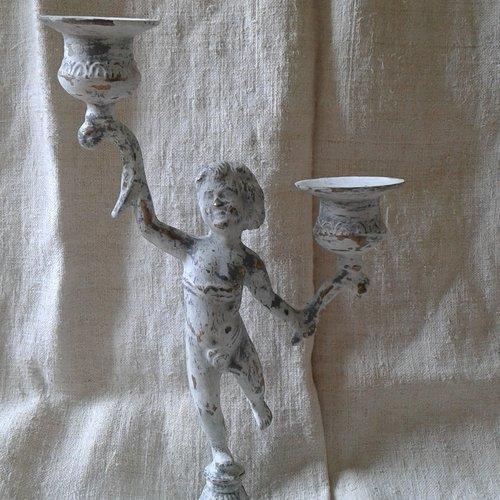 Bougeoir ange patiné blanc et gris