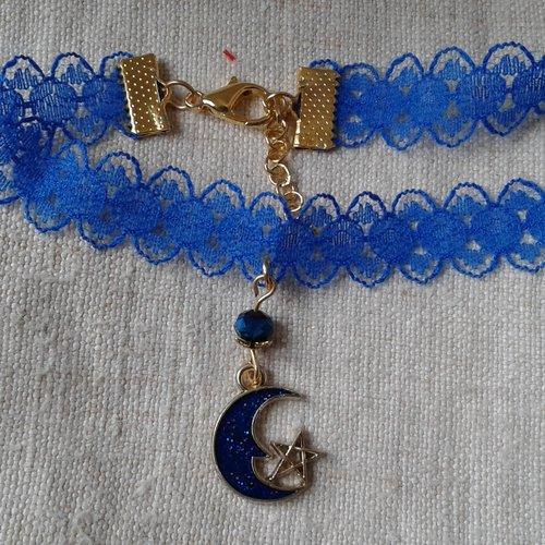 """Chaine de cheville """"dentelle bleue et croissant de lune"""""""
