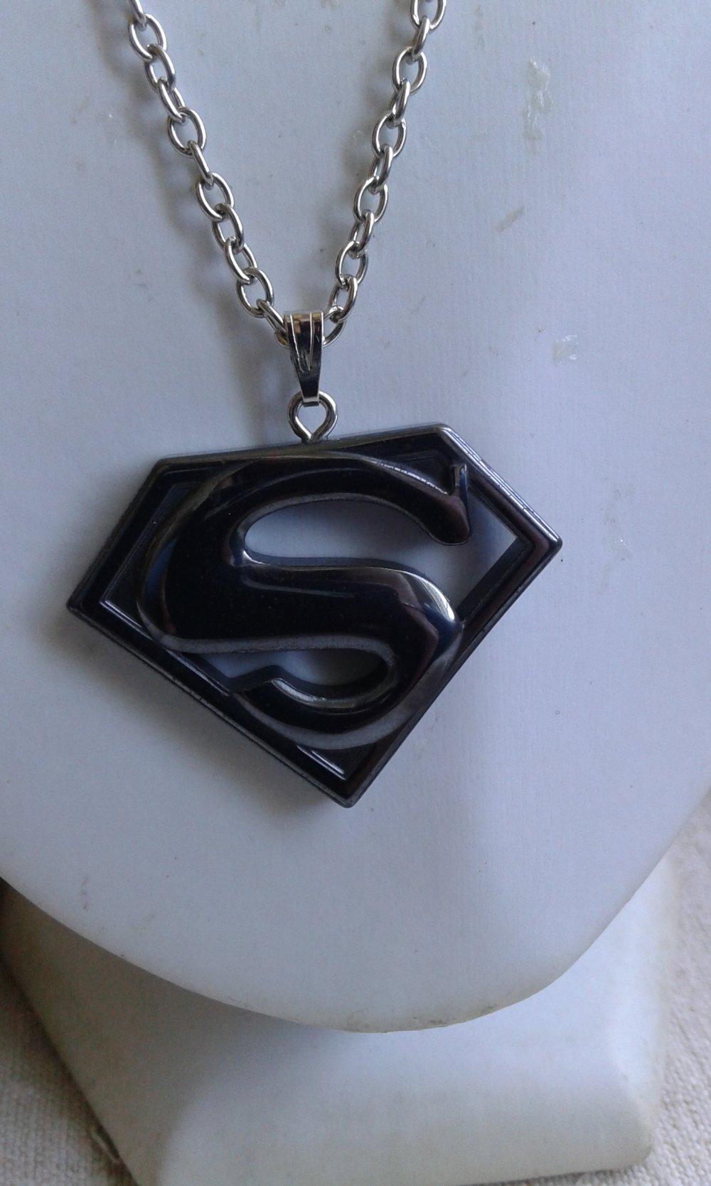 """collier """"Superman en hématite"""""""