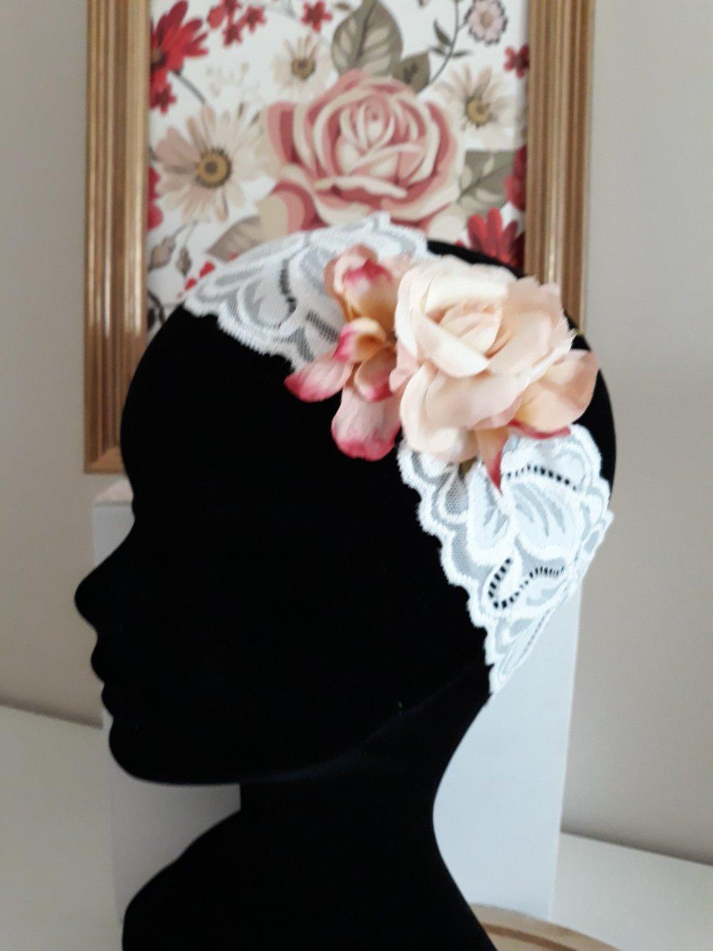Bandeau en dentelle extensible orné de fleurs anciennes pour mariées, style shabby, bohème et année 30