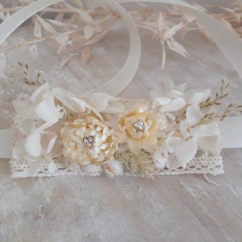 Bracelet romantique en fleurs séchées pour mariée