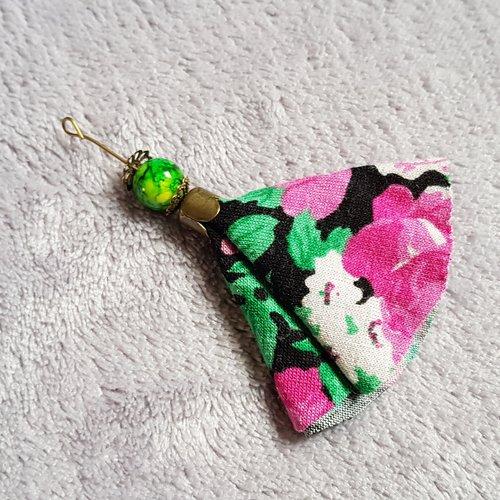 1 montage pompon vert , rose, noir, en tissu viscose souple, perle en verre lisse vert marbré, calotte en métal bronze