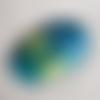 1 pendentif ovale en verre translucide, jaune moutarde, bleu, vert 50x30mm