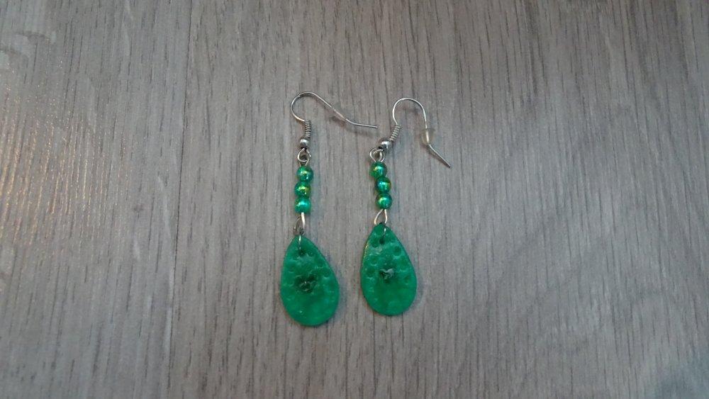boucle d'oreille pendante goutte vert jade