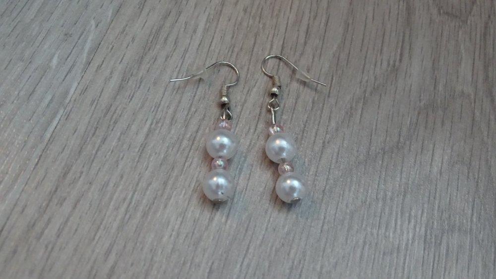 boucle d'oreille pendante perles