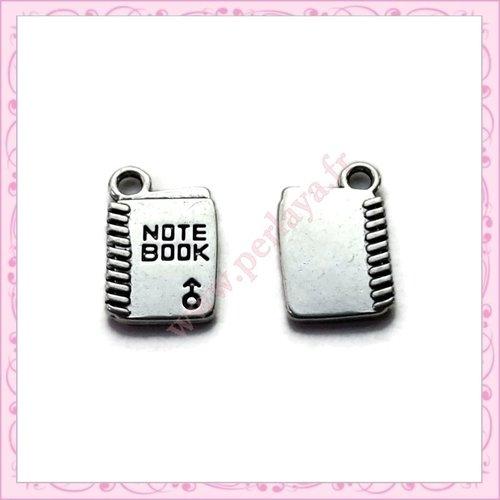 15 breloques cahier de note 18mm argentées en métal (ref:001005)