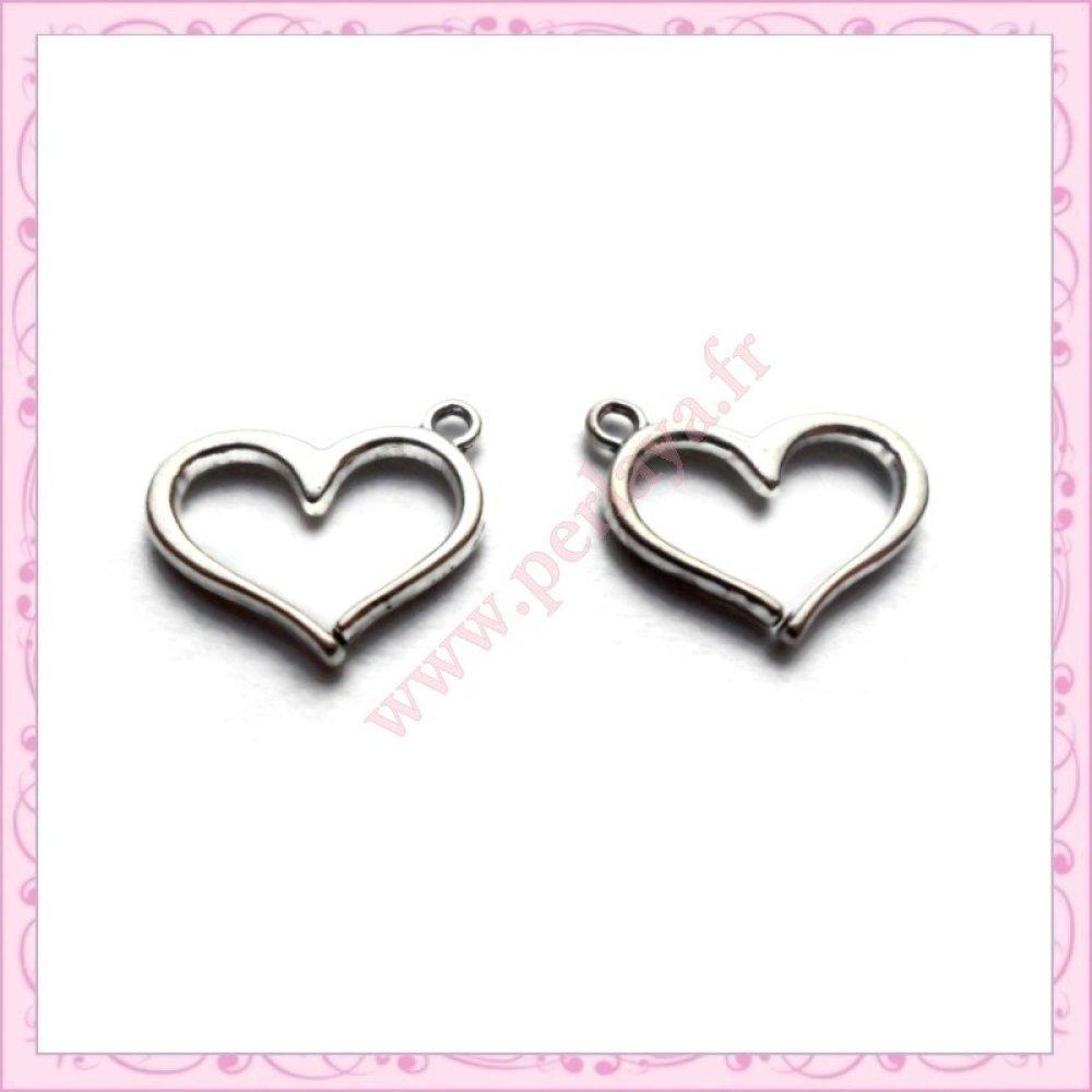 15 breloques coeur en métal argentées 1.6cm (Ref:000778)
